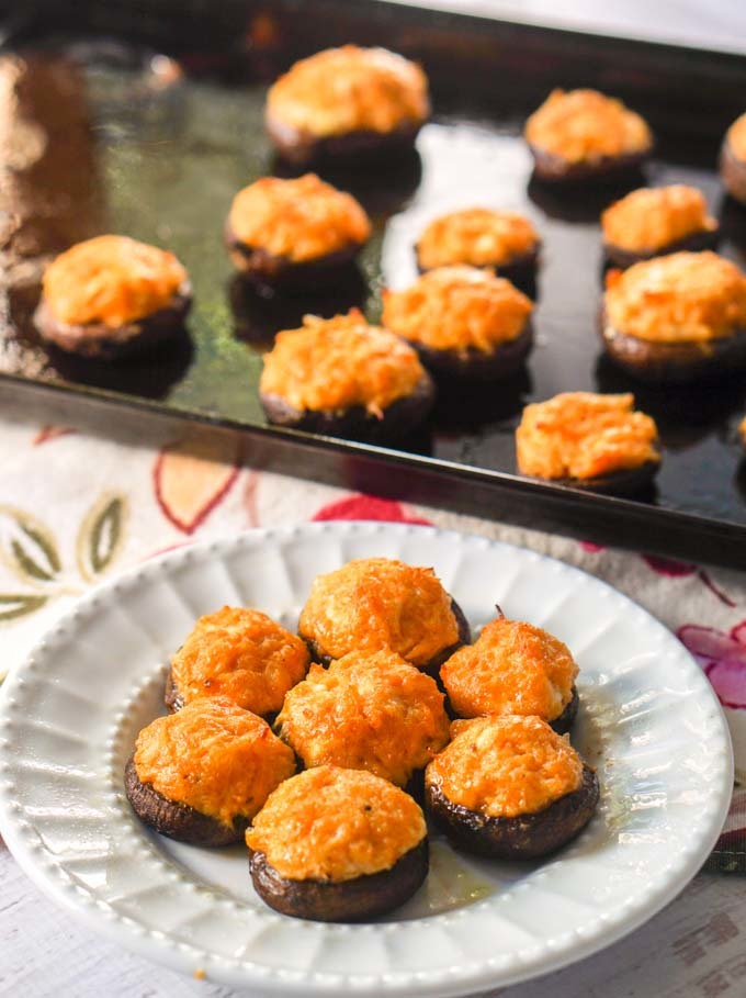 Buffalo Chicken Low Carb Stuffed Mushrooms