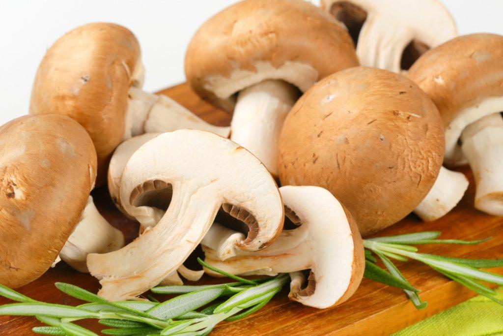 Can you eat cremini mushroom stems?